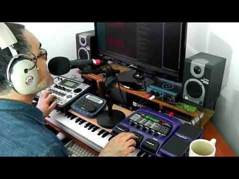 Digitech Vocal 300 Boss SP-505 Koss Pro4AA Audiotechnica M4000s Superteclados.com