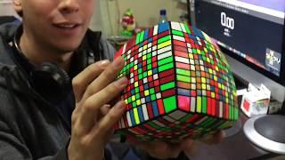 vuclip Chileno arma el Cubo Rubik con más piezas del MUNDO (13x13x13)