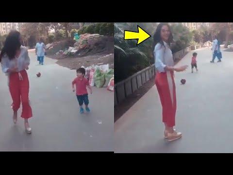 Aww! Kareena Kapoor Khan playing video with son Taimur Ali Khan is all Love |Amaging