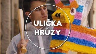 Ulička Hrůzy w/House, LucyPug | KOVY