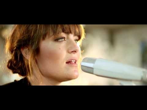 Angus & Julia Stone - A Heartbreak (Live Acoustic)