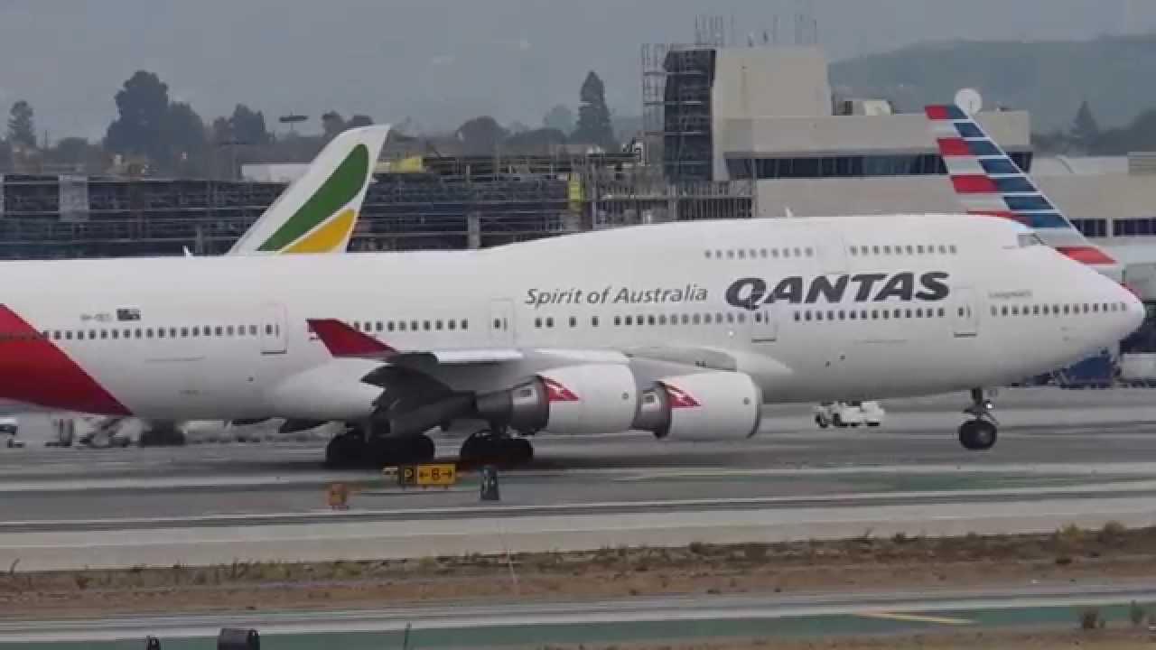 qantas boeing 747 los angeles international airport. Black Bedroom Furniture Sets. Home Design Ideas