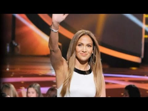 Jennifer Lopezs American Idol Fashion (Season 11)