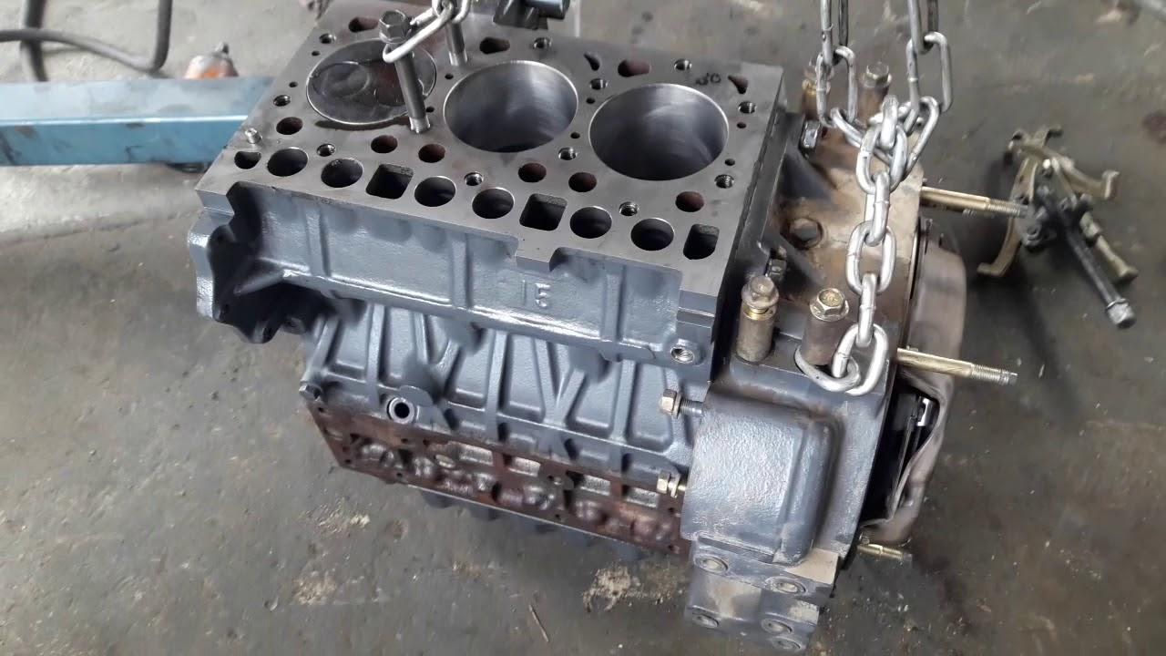 Блок японского двигателя KUBOTA после ремонта.
