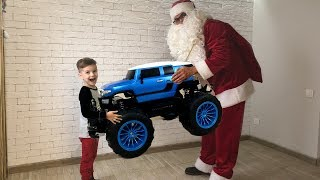 Big car - a cool jeep monster truck. A gift from Santa Claus. Video for kids.