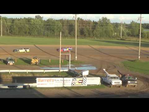 Late Model Heat race #1 at Great Lakes Nationals, Crystal Motor Speedway, on 09-17-16.