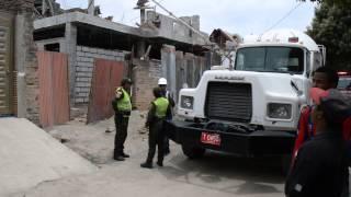 Autoridades y organismos de socorro en la construcción donde se cayó un plafón en #Mamatoco