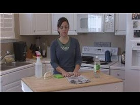 Housecleaning Tips : How to Get Mildew Out of Clothes
