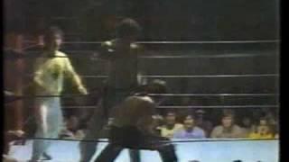 Video Marc Costello vs Ken Clark kickboxing,  Knockout in Canada download MP3, 3GP, MP4, WEBM, AVI, FLV September 2017