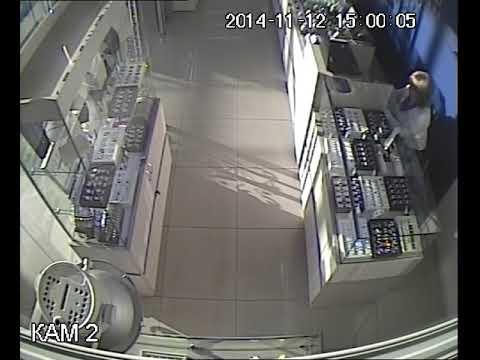 Запись с видеокамеры наблюдения магазина вор длинные руки