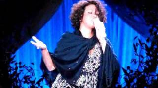 Whitney houston - the greatest love of all (live at manchester, m.e.n. arena, 16.06.2010.)
