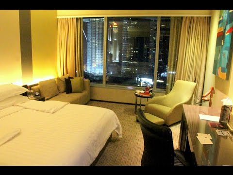 STAYCATION VLOG : TRADERS HOTEL Part 1