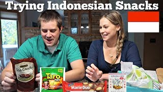 AMERICANS TRY INDONESIAN SNACKS - Bali's Best Tea Candy, Taro Net, Sina Ginger Candy, Marie Duo