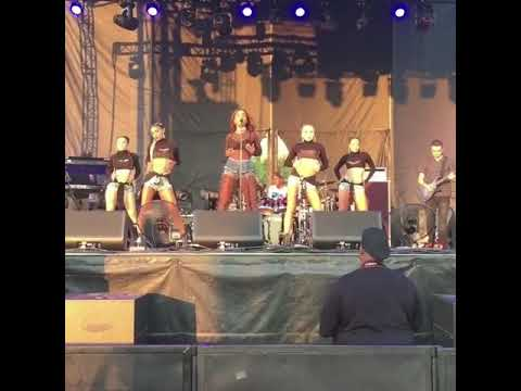Sevyn Streeter Peace Sign / Present Situation (Live)