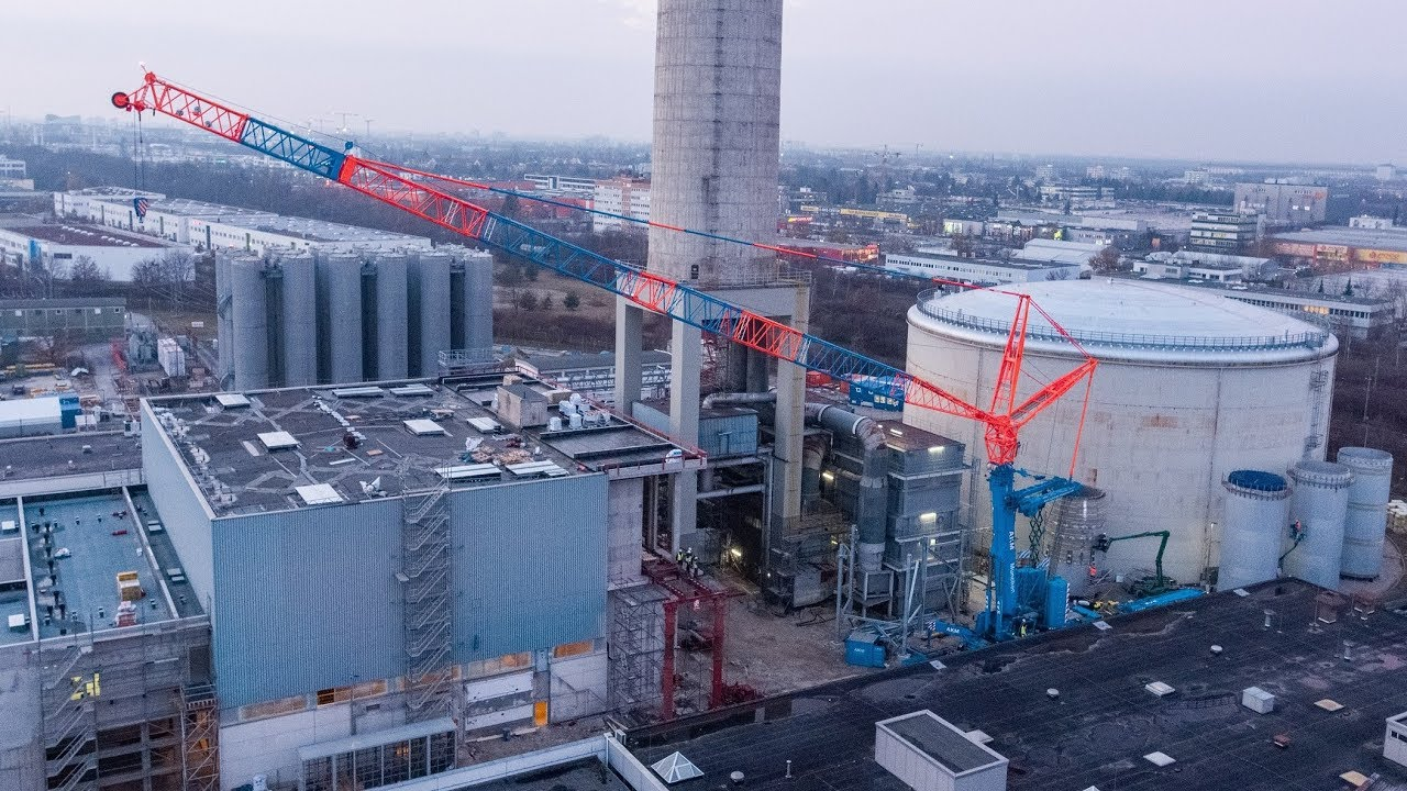 Demag AC 500-8 lifts chimney liner at Munich cogeneration plant