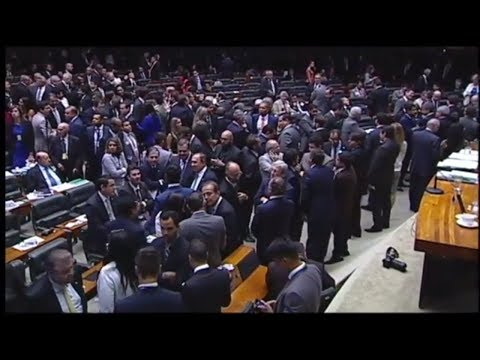 Revista da Câmara   Plenário aprova urgência para criação do Sistema Único de Segurança Pública