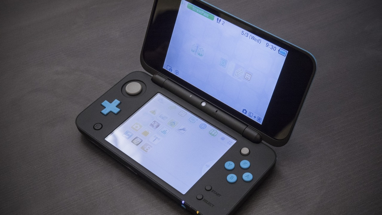 Hands-On: The New Nintendo 2DS XL is the Coolest Handheld I Don't Want