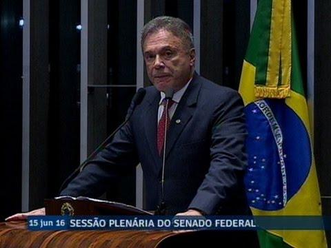 Alvaro Dias destaca medidas anunciadas para o controle da dívida pública