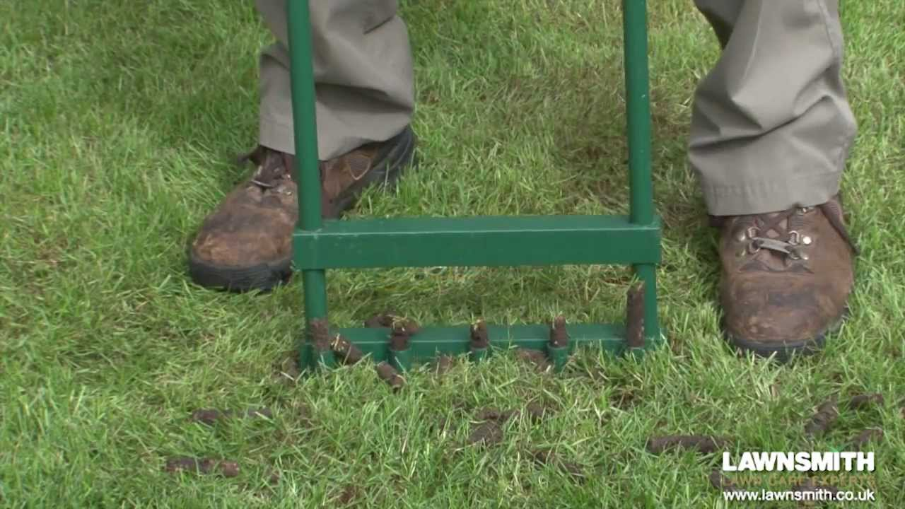 How To Aerate Spike Hollow Tine A Lawn