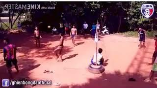 Đá bóng theo phong cách bóng chuyền