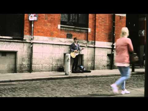 Irish Talented singer on Temple Bar Dublin