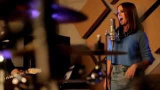 Nina Pušlar - Poljub na klopci (OFFICIAL VIDEO)