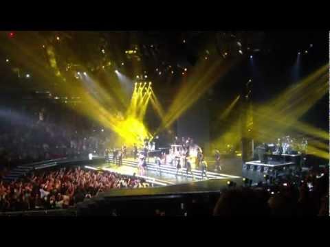 MDNA- Gangnam Style feat. Psy