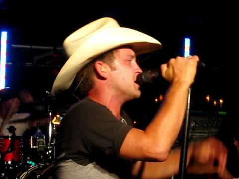 Justin Moore- Good Ol' American Way (clip) (uncensored)- Knoxville, TN