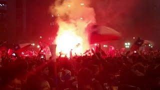Festejo Plaza Italia - Chile 2 - España 0 - Brasil 2014