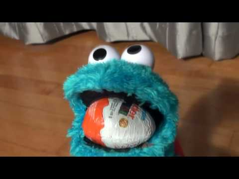 Cookie Monster Count and Crunch Opening More Kinder Egg Surprises
