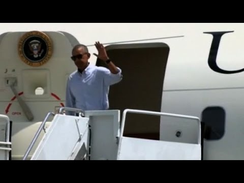 President Obama arrives in Louisiana