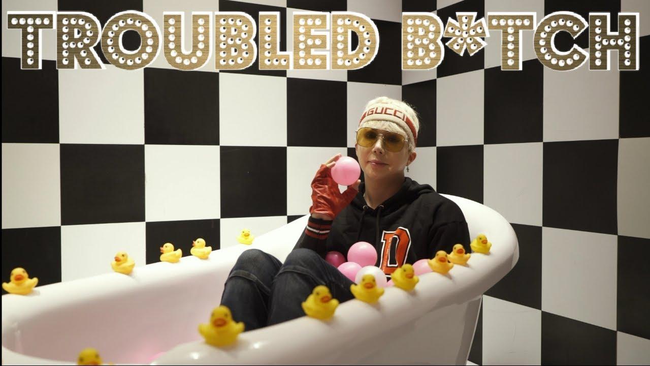 Oli London- Troubled B*tch' MV Teaser
