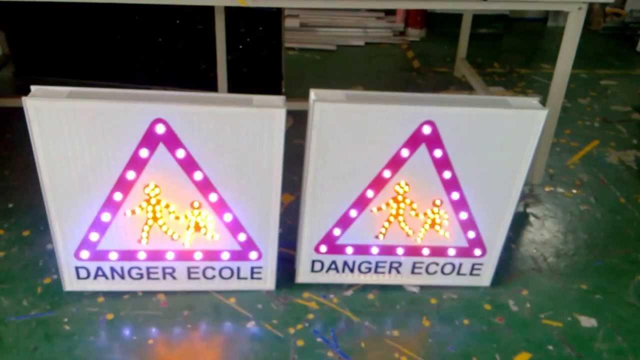 panneau signalisation lumineux danger 233 cole stop led