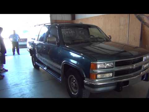 1994 Chevy 6.5 Diesel Suburban Only Brought 1250.00 At Auction