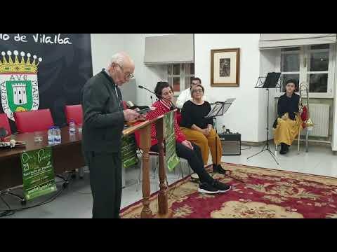 O párroco Uxío García Amor recita no Día da Poesía de Vilalba