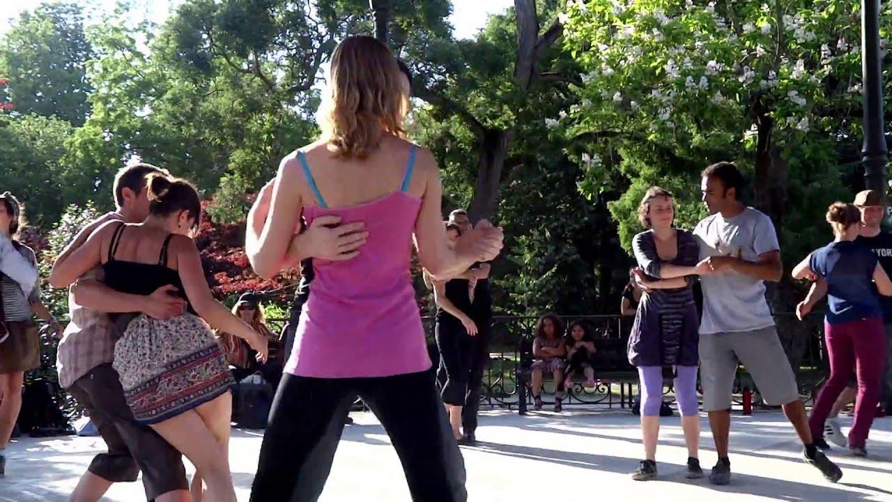 TOULOUSE 2014. Danses du dimanche dans les jardins du Grand Rond ...