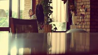 Смотреть клип Nina Badric - Vise Smo Od Prijatelja