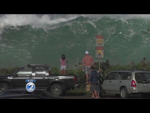 Large surf batters Oahu's North Shore