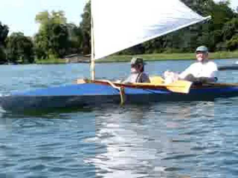 Paddelboot segeln