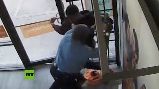 Guardia de seguridad frustra robo armado en una tienda de celulares en EE.UU.