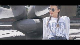 Смотреть клип Twiins - Poď Sa Smiať