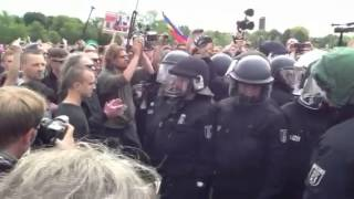 Die Polizei ist eingekesselt – 21.06.2015