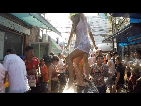 Songkran at Soi Cowboy and Nana Plaza [ +10 ESSENTIAL TIPS ]
