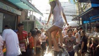 Songkran at Soi Cowboy and Nana Plaza [ +10 ESSENTIAL TIPS ]