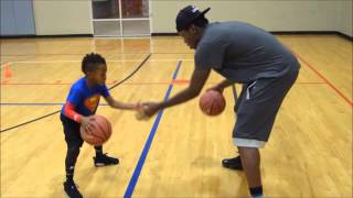 Fenómeno del baloncesto de tal solo 5 años demuestra habilidades increíbles thumbnail