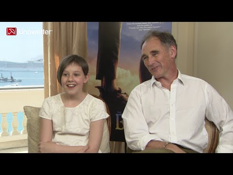 Interview Ruby Barnhill & Mark Rylance THE BFG Cannes 2016