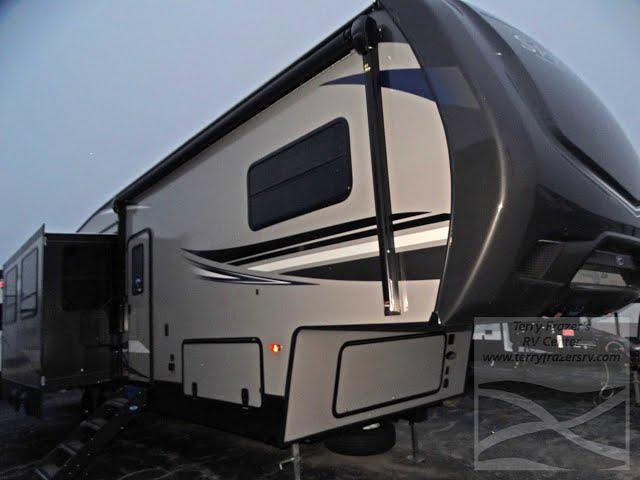 2020 Sprinter Campfire Mod. 32FWBH For Sale at Terry Frazer's RV Center