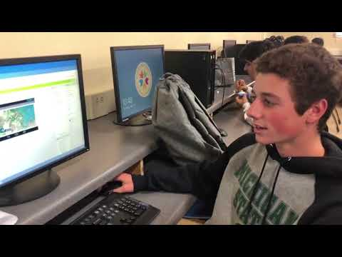 Computer Science Class at La Jolla High school is a Blast!