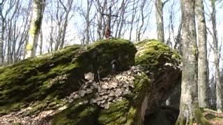 Casentino nascosto, il sentiero delle Ghiacciaie della Verna