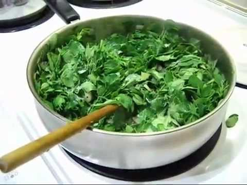 How to cook a Moringa (Tree Of Miracles) Leaf Stir Fry  PLOTTPALMTREES.COM